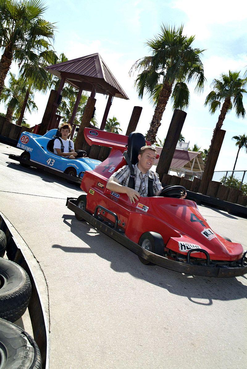 Racing Go-Karts in Golfland Sunslpash