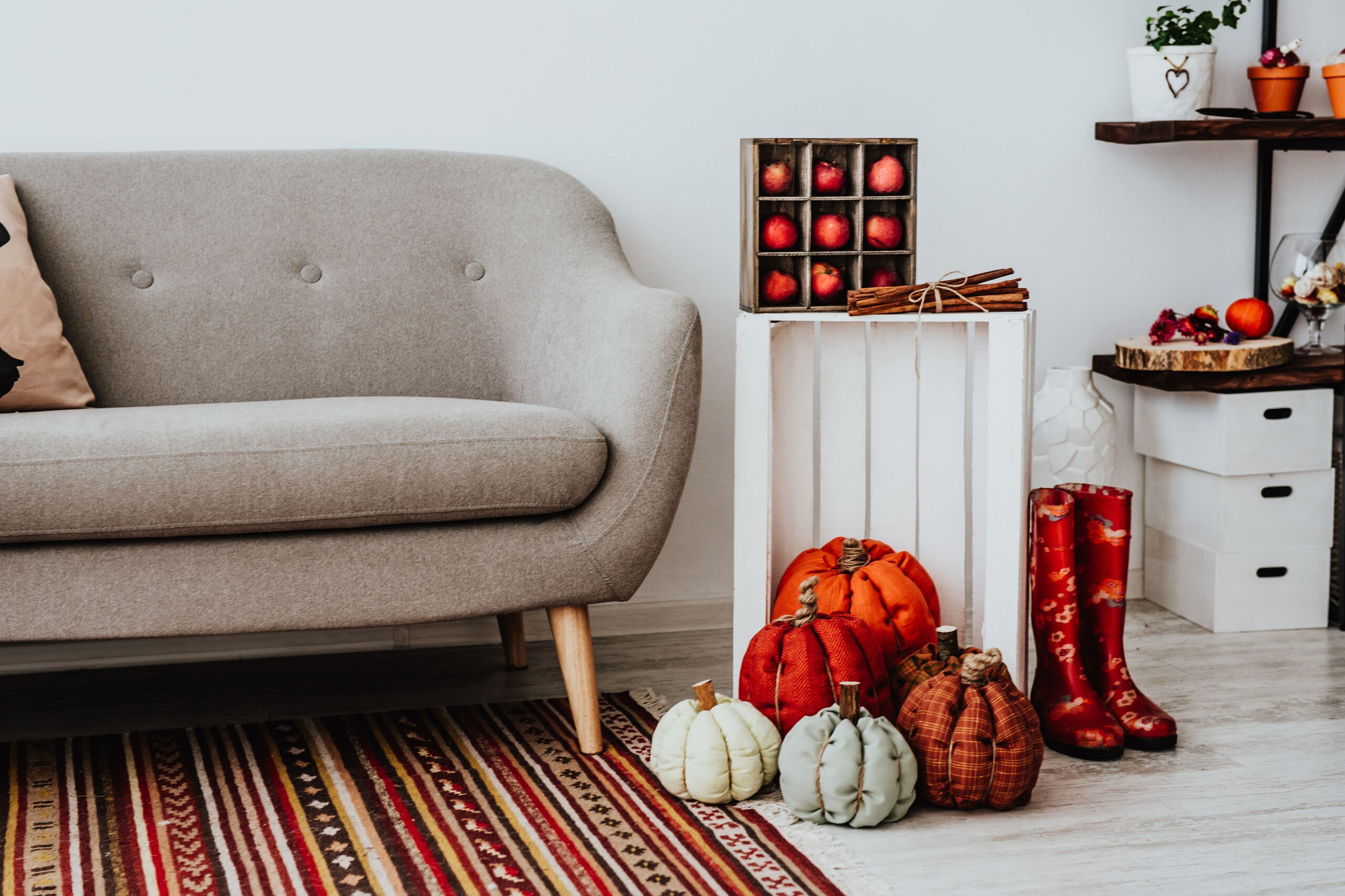 5 Simple Ways to Spice Up Your Apartment for the Fall