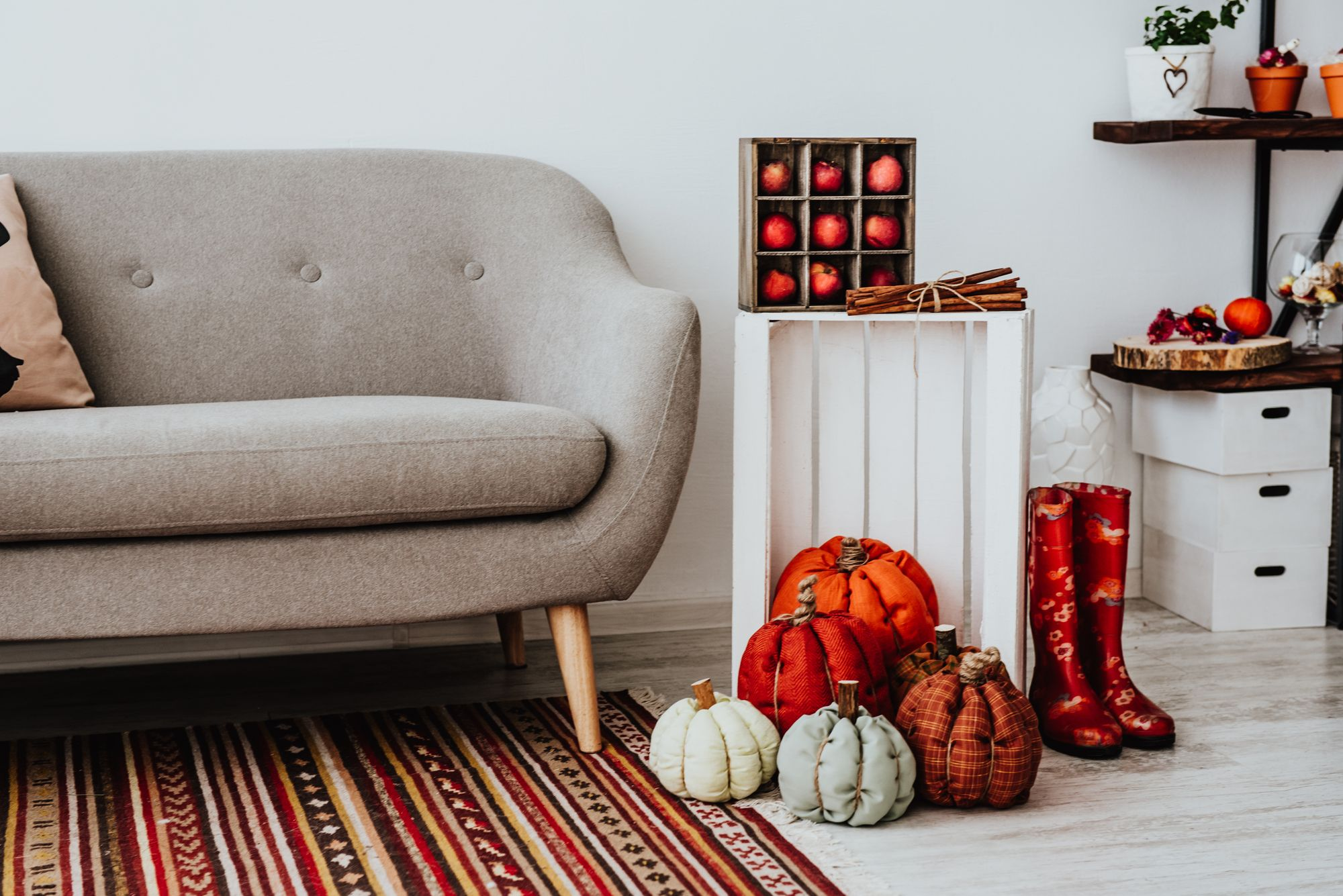 Fall apartment decor