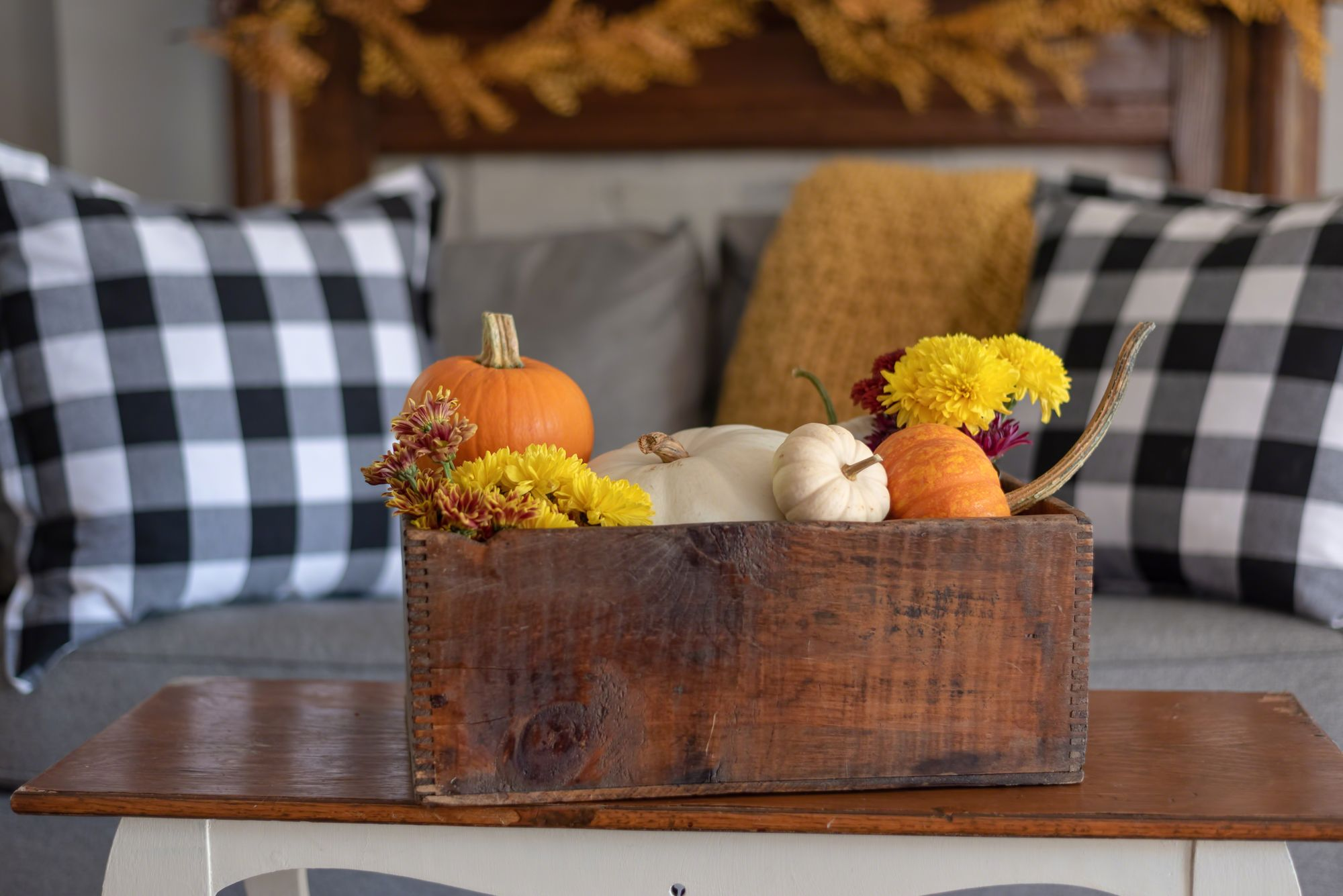 Pumpkin Fall apartment decor